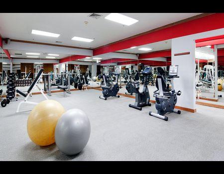 вид помещения фитнес-клуба